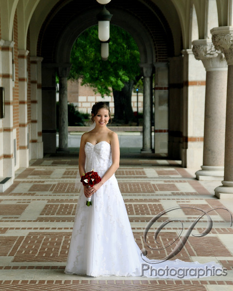 Hermann park bridal session, bridal portraits, wedding dress, bridal pictures in Hermann park, Mecom fountain